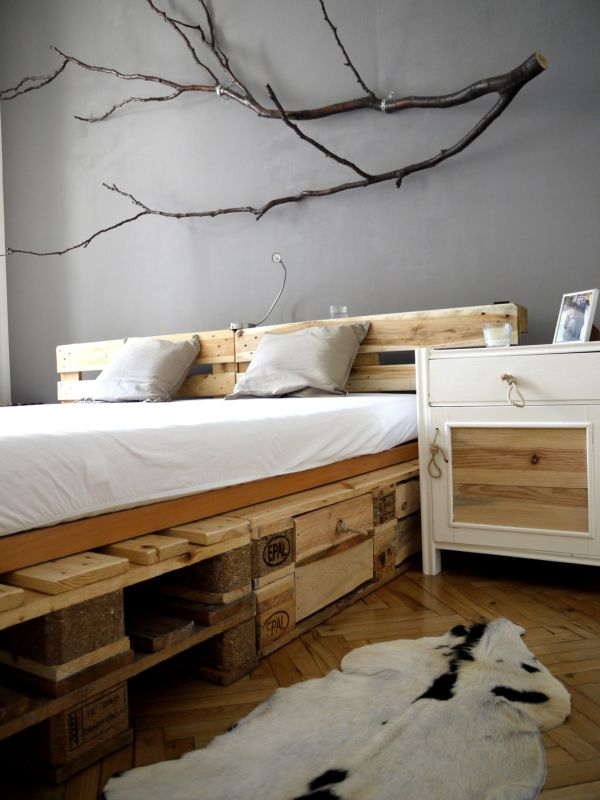 f inspiration til pallem bler s dan f r du m bler af paller. Black Bedroom Furniture Sets. Home Design Ideas